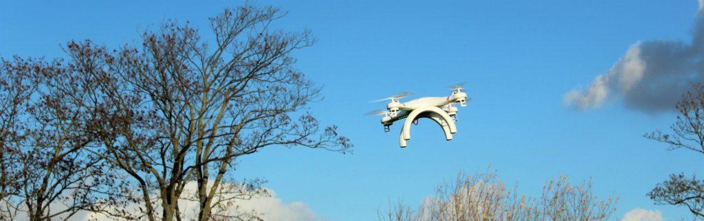 drone-1040414_1920